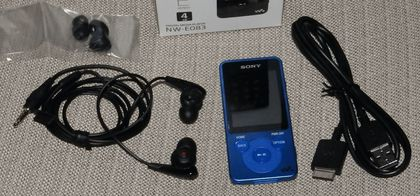 SONY_Walkman_NW-E083_001.jpg